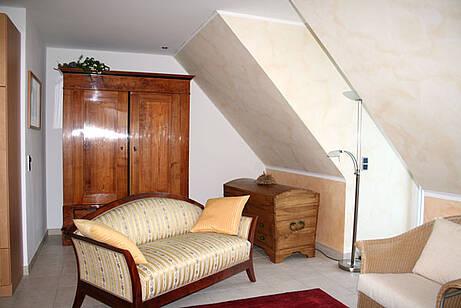Wohnzimmer der Ferienwohnung 10 in der Villa Wagenknecht