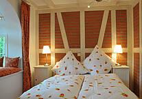 Schlafzimmer der Ferienwohnung 04 im Landhaus Victoria
