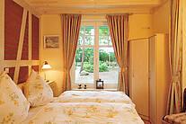 Schlafzimmer der Ferienwohnung 05 im Landhaus Victoria