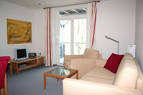 Wohnzimmer der Ferienwohnung 09 in der Villa Wagenknecht